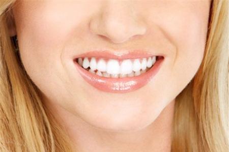 牙缝大如何矫正